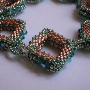 bead-stitching-shaped-peyote1