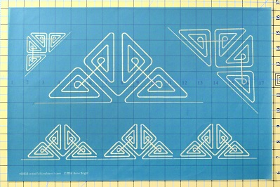 Full Line Stencil Little Triangles H60013